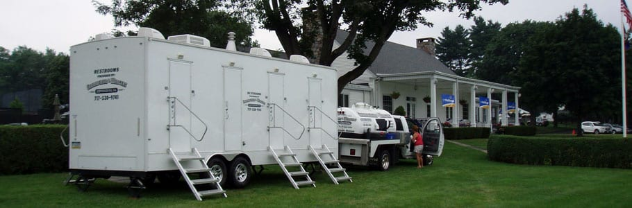 restrooms-and-shower-trailer_restroom-trailer